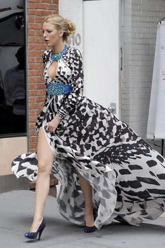 how to wear animal print maxi dresses creative fashion