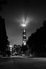 Crepuscular Transamerica (bw) (tychay) Tags: sanfrancisco california street nightphotography bw usa night skyscraper waterfront handheld crepuscularrays transamericabuilding coloradjustment portraitorientation leicam8 dxofilmpack exposureadjustment cvnokton35mm12 enhanceadjustment rawfinetuningadjustment appleaperture20 colormonochromeadjustment