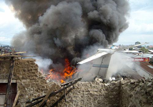 DC9 Hewa Bora Airways en feu à Goma