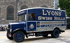 015-2 1935 Albion 5T Bakery Van (Sou'wester) Tags: heritage car vintage lordmayor ceremony historic corporation lorry commercial preserved van cart tradition veteran carmen albion preservation cityoflondon guildhall motoring liverycompany guildhallyard worshipfulcompany cartmarking