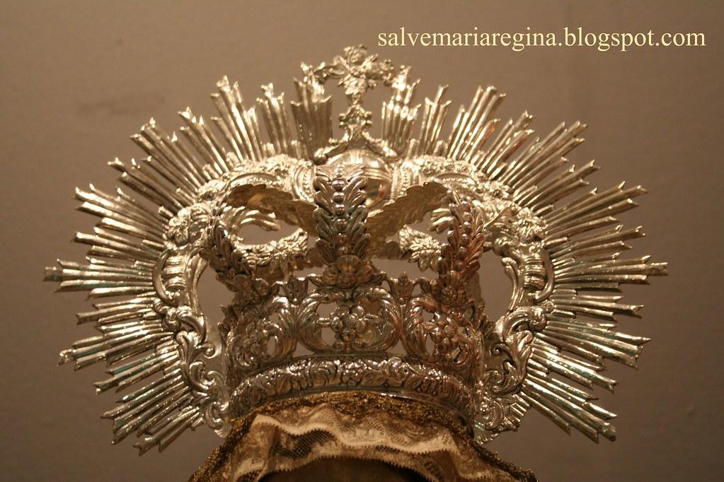 Corona de Nuestra Señora del Buen Viaje.