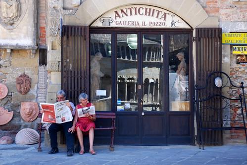 Tuscany, Arezzo, Romantic Italian Couple in Piazza Grande