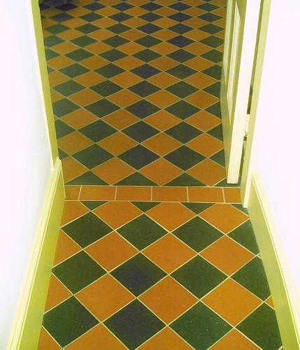 tile blkly kitchen floor