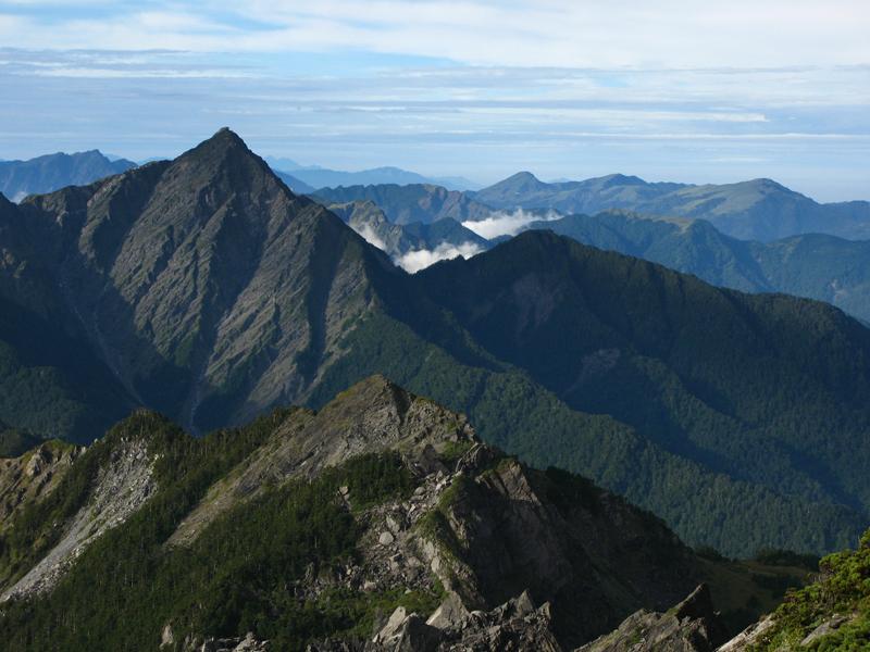 奇萊主北、中央尖、玉山、畢祿羊頭、鋸齒連峰、合歡群峰