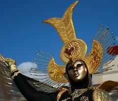 venezianische messe 2008 (hatschiputh) Tags: blue sky cloud sun lady germany gold mask awesome ludwigsburg mywinners venezianischemesse anawesomeshot thatsclassy theperfectphotographer
