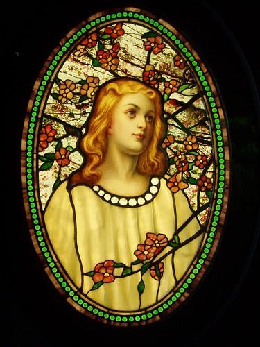 012- Joven con flores de cerezo- Galeria de vidrieras del Navy Pier de Chicago