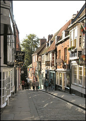 Steep Hill, Lincoln (Lincolnian (Brian)) Tags: england vanishingpoint lincolnshire lincoln abc steephill aplusphoto flickrelite hccity