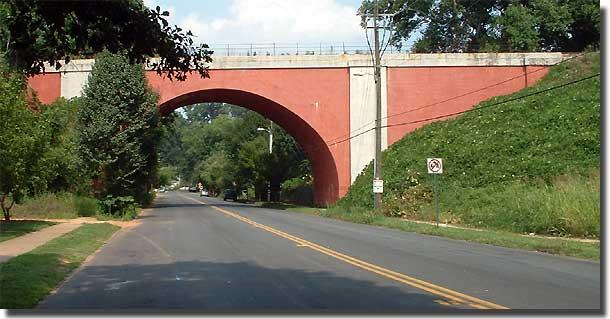 Architecture Tourist: Red Bridge Over Ormewood Avenue in Grant Park