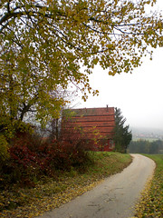 Stepped roof (Silanov) Tags: road autumn house fall beer loft germany landscape bayern deutschland bavaria store europe view herbst eu haus franconia bier hop aussicht franken landschaft speicher ausblick hopfen hops mittelfranken spalt strase abigfave anawesomeshot aplusphoto goldstaraward hopfenspeicher mhlreisighaus