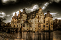 Dortmund - Schloss Bodelschwingh - 04 (Daniel Mennerich) Tags: autumn water sepia herbst middle ages dortmund visualart 5photosaday aplusphoto