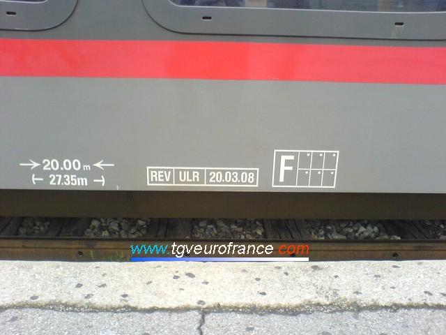 Détail des marquages indiquant la date de fabrication de la rame TER 2N NG Z26577-Z26578