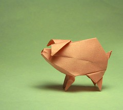 Inflatable Piggy (Origami Roman) Tags: pig origami roman inflatable piglet diaz