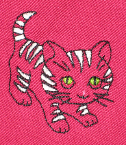 kitty bib detail