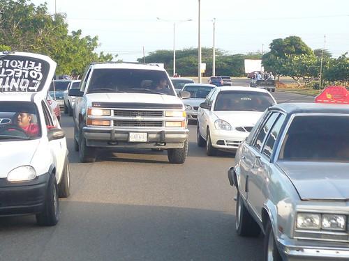 Caravana de vehículos: !contrato ya!