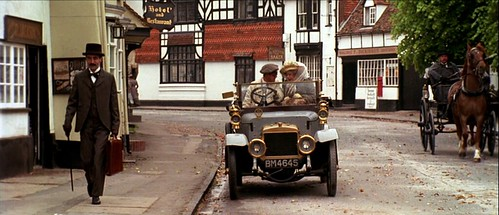 howardsend_car_street
