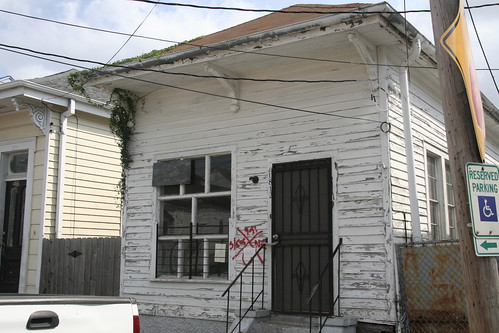1812 St. Philip St before (by: Rebuilding Together New Orleans)