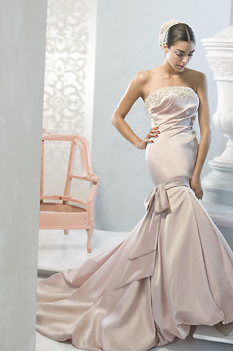 beautiful strapless wedding dress design