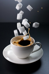 Overload (96dpi) Tags: cup tasse coffee kaffee sugar cube splash wrfel tabletop zucker 96dpi alevers