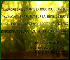 Quai Voltaire (Kay Harpa) Tags: summer paris verano sculptures baudelaire vers lesfleursdumal et bizarreries quaivoltaire promenadeparis galeriesdart