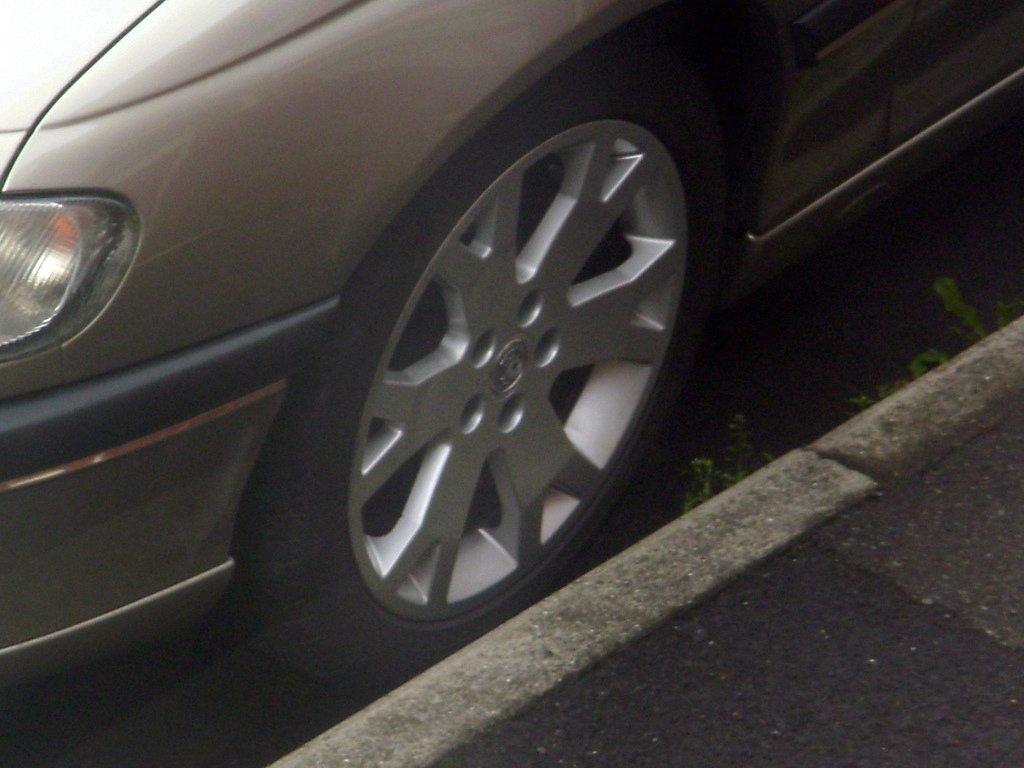 Vauxhall Snowflake Alloys