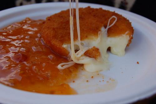 カマンベールチーズ揚げ+ソース