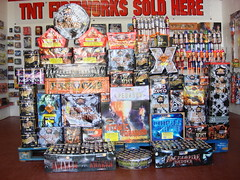 Giant Bonfire Display Pack - All you need this bonfire night (EpicFireworks) Tags: light stars fireworks guyfawkes firework burst pyro marvel sparks majestic 13g epic barrage paramount pyrotechnics ignition