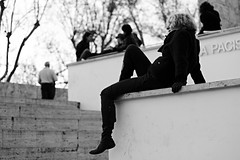 free mind (luce_eee) Tags: bw woman man roma modern stairs women time steps streetphotography free bn mind canon50mmf18 arapacis openyourmind canon400d senzaetà sintedi