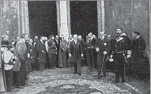 Recibimiento a Alfonso XIII y Raymond Poincare en Toledo en la Catedral de Toledo en 1913