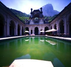 (zenog) Tags: riodejaneiro geotagged piscina pinhole parquelage escoladeartesvisuais geo:lat=22960023 geo:lon=43212147