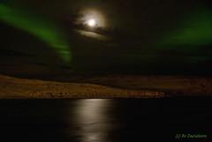 Aurora borealis (Bozze) Tags: longexposure seascape norway wonderful excellent moonlight northernlights auroraborealis lightroom hurtigruten nordlys norrsken citrit wwwoppnahorisonterse wwwhurtigrutensoveraldrigse wwwopenhorizonsfinearteu