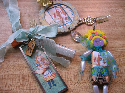 alice in wonderland gifts by egrobeck
