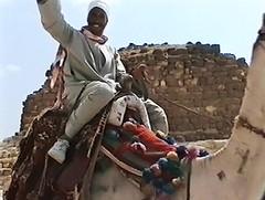 Gizeh - Halloo - du Kamel , hä ? (roba66) Tags: temple pyramide giza ägypten kamel egypte tempel ruinen gizeh antik archaelogy pyramiden kairo gräber archäologie ausgrabungen pharaonen kamelreiter landderpharaonen