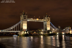 Tower Bridge I (VoLGio) Tags: christmas city uk greatbritain bridge winter london tower thames night towerbridge canon londonbridge eos lights navidad luces noche unitedkingdom londres gb invierno 1785 hdr reinounido tamesis granbretaa 40d