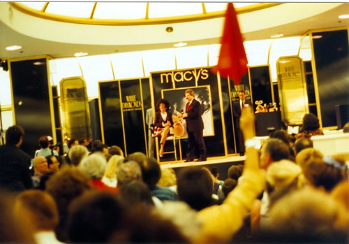 Liz Taylor at Macy's San Francisco. (10/11/1991)