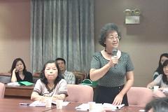 左:油症受害者、惠明學校教師廖脫如;右:惠明學會前校長陳麗玉