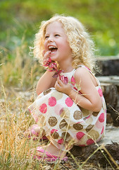 happiness (david_CD) Tags: girls summer portrait flower smile kids children happy outdoor models laugh losangles childish lightonkids