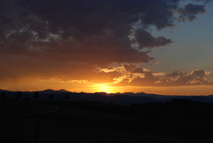 Sunset Over The Rockies (thegreatlandoni) Tags: sunset nature rockies colorado rockymountains nikond80 landoni