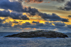 Moby (Per Erik Sviland) Tags: blue sunset sea sky yellow rock clouds nikon erik per hdr d300 pererik lberg sviland sqbbe pereriksviland