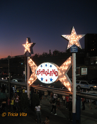 Astroland's Iconic Sign at Night. Photo © Tricia Vita/me-myself-i via flickr