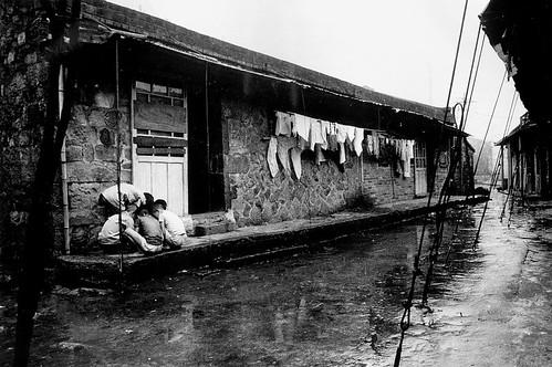黑白童年-雨天