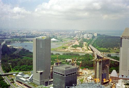 Singapore by Ik T