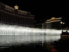 Fountain show at the Bellagio L1150984