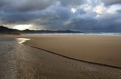 Costa da Morte (s ) Tags: espaa costa contraluz mar spain corua playa galicia cielo temporal costadamorte traba a3b