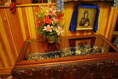Santa Olimpiada Strigaliova, virgen (abarrero2000) Tags: santa saint shrine body holy virgin orthodox kiev virgen relics cuerpo ukraina reliquien schrein reliquary urna reliquias fundadora reliques chsse relicario ortodoxia reliquaire  sviatovvedenskiymonastery
