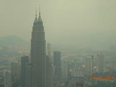 kuala lumpur, malaysia (Zimit) Tags: asia malaysia kualalumpur petronastowers cityskyline