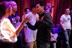 hi5 mighty quinn. (Liz Lieu) Tags: liz tournament lieu lizlieu pokerdiva nolimitholdem propokerplayer chilipokercom