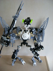 Airwatcher (Sparkytron) Tags: dark universe bionicle hunters
