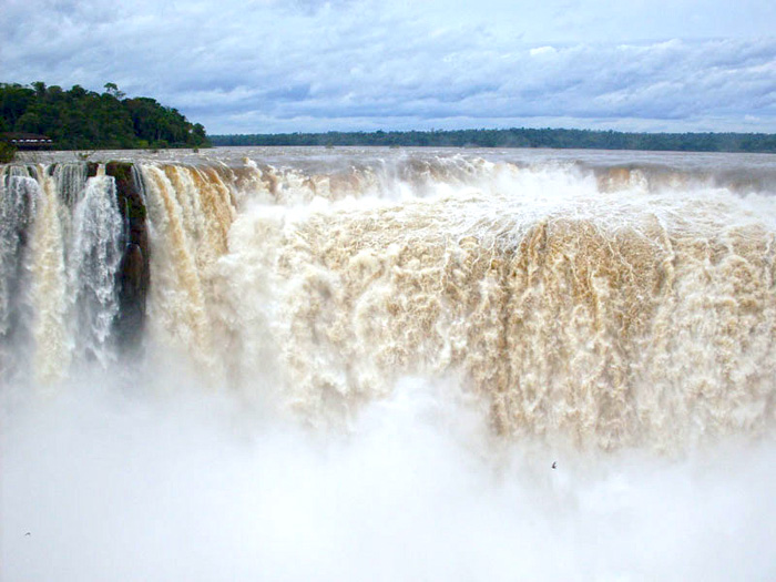 5841378527 22cc1d0e51 o Photo Favorite: The Devils Mouth, Iguazu Falls, Argentina
