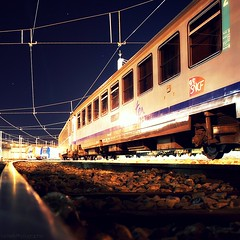 T.e.R (Le***Refs *PHOTOGRAPHIE*) Tags: longexposure yards light night train nikon perspective railway rails depot nuit sncf bombardier ter agc corail d40x lerefs