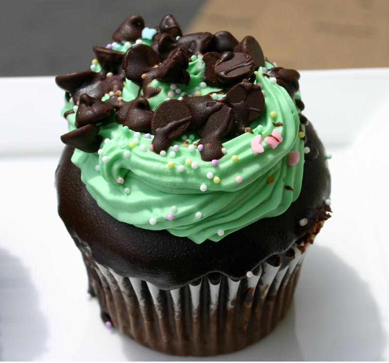 Thin Mint cupcakes and an ode to chocolate mint cupcakes
